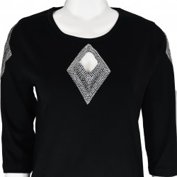 Diamond 3/4 Sleeve Scoop Neck Shirt